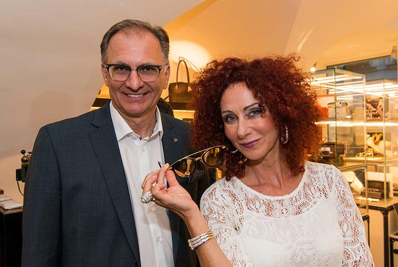 Neu in Wien - Maybach Flagshipstore I Christina Lugner, Geschäftsführer Wolfgang Dworschak I Credit: Maybach Store